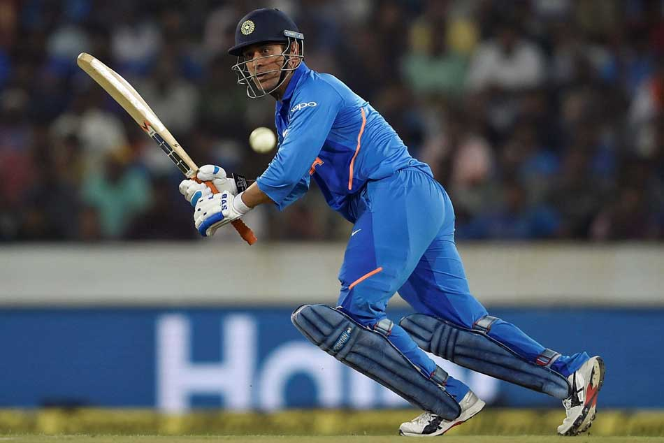 Ms Dhoni Inches Closer Major Landmark International Cricket