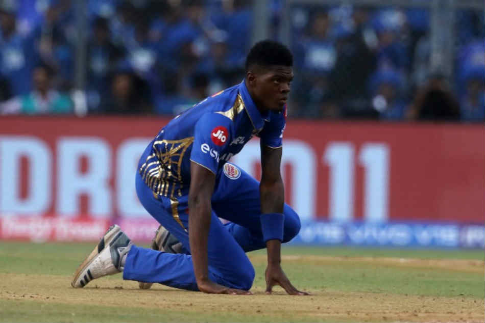 IPL 2019: Mumbai Indians' Alzarri Joseph ruled out of tournament after suffering shoulder injury