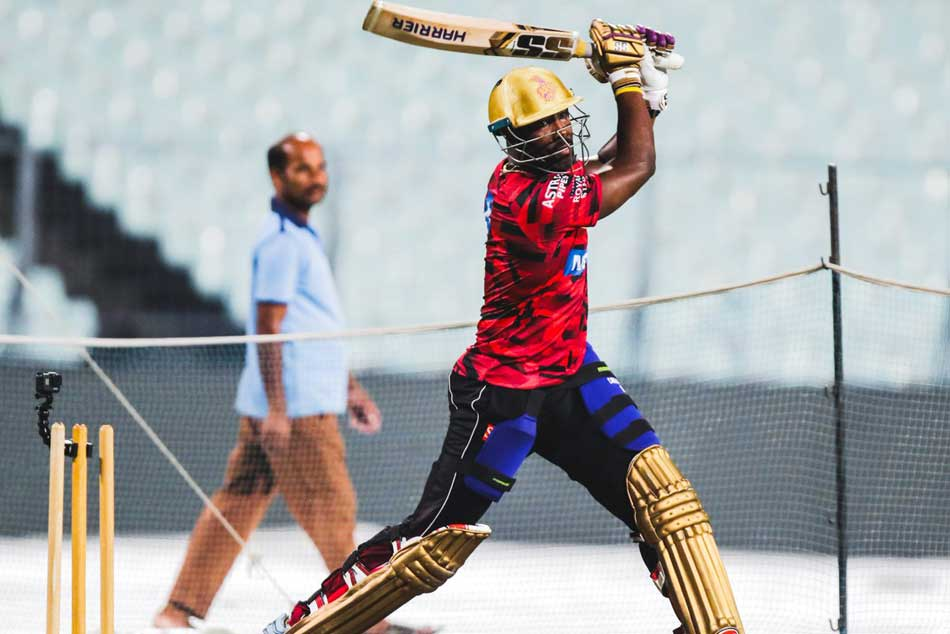 IPL 2019: Kolkata Player Andre Russell power on his practice at the Eden Gardens