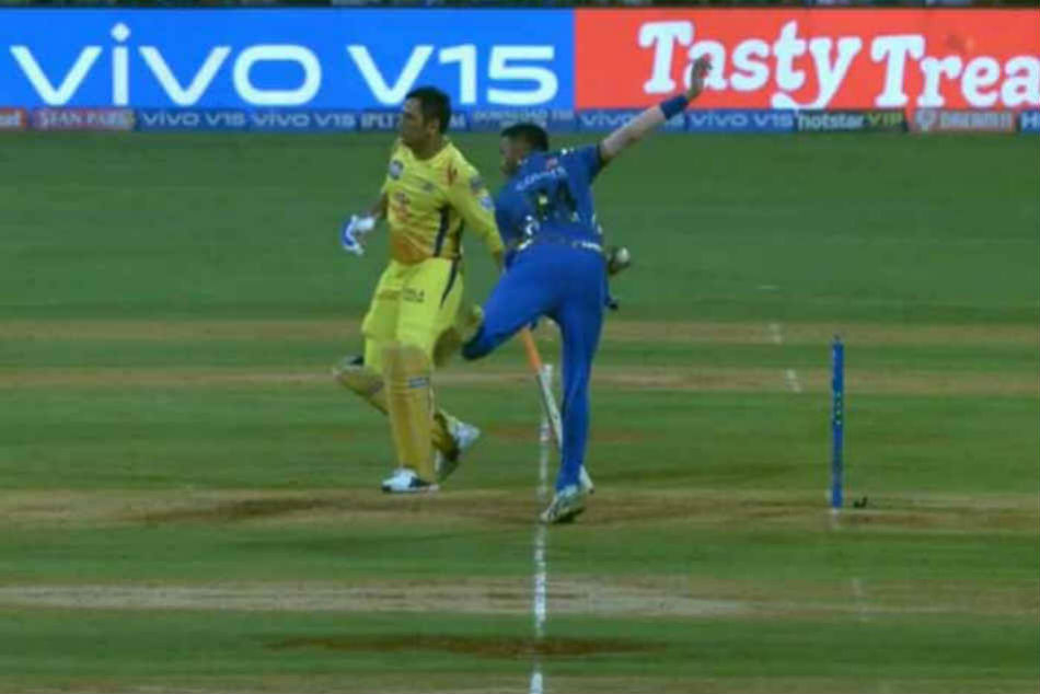 Dhoni Receives A Rare Mankad Warning From Krunal Pandya And Fans Are Not Amused
