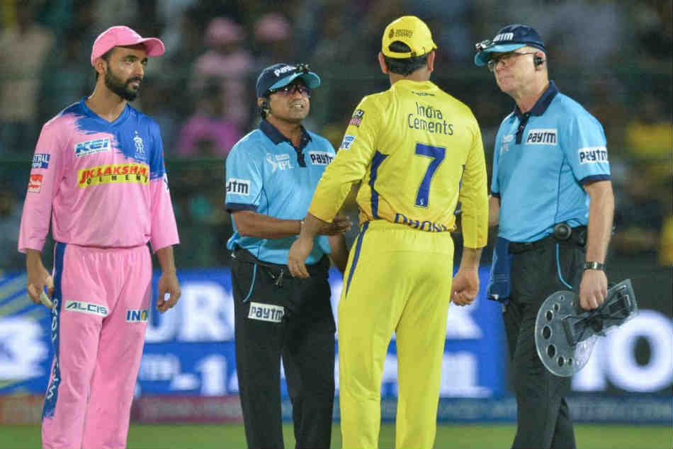 Ipl Ms Dhoni Fined After Angry Reaction To Umpire S Decision