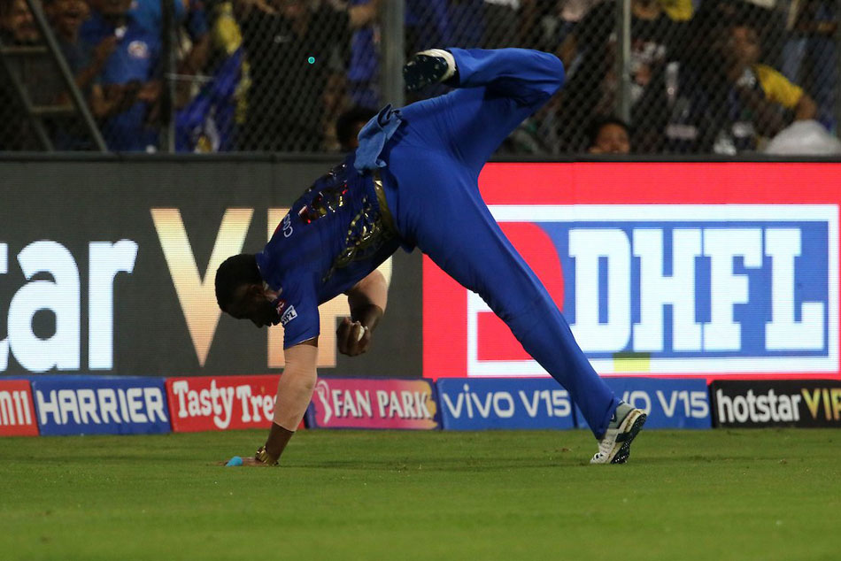 Ipl 2019 Csk Vs Mi Kieron Pollard Takes Super Catch To Dismiss Suresh Raina