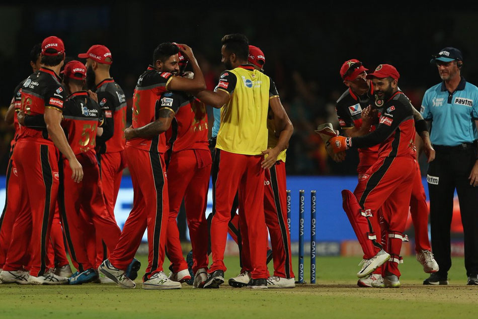 Bangalore Vs Chennai Dhoni Fights With Fifty But Csk Lose Match
