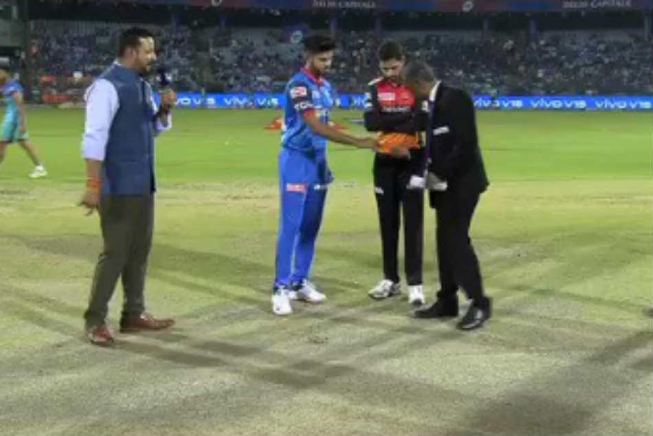 Ipl 2019 Dc Vs Srh Ipl Score Sunrisers Hyderabad To Bowl Against Delhi Capitals