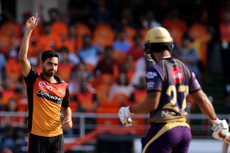 KKR restricted to 159 despite Lynn fifty, Hyderabad target is 160