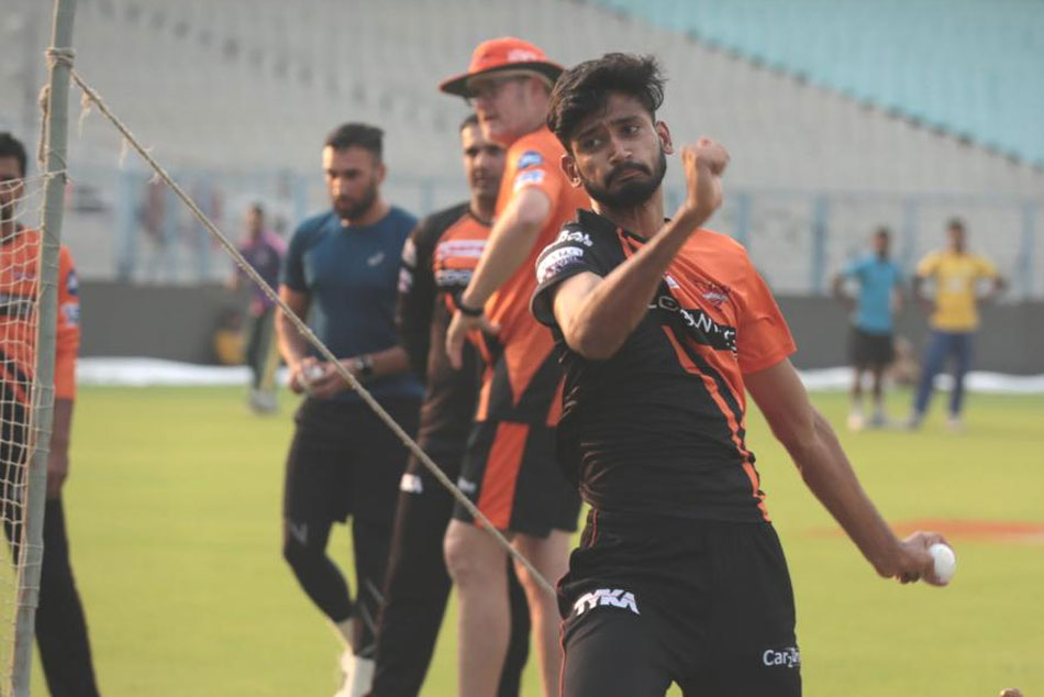 Sunrisers Hyderabad Team Play Cricket With Orphan School Childrens Hyderabad