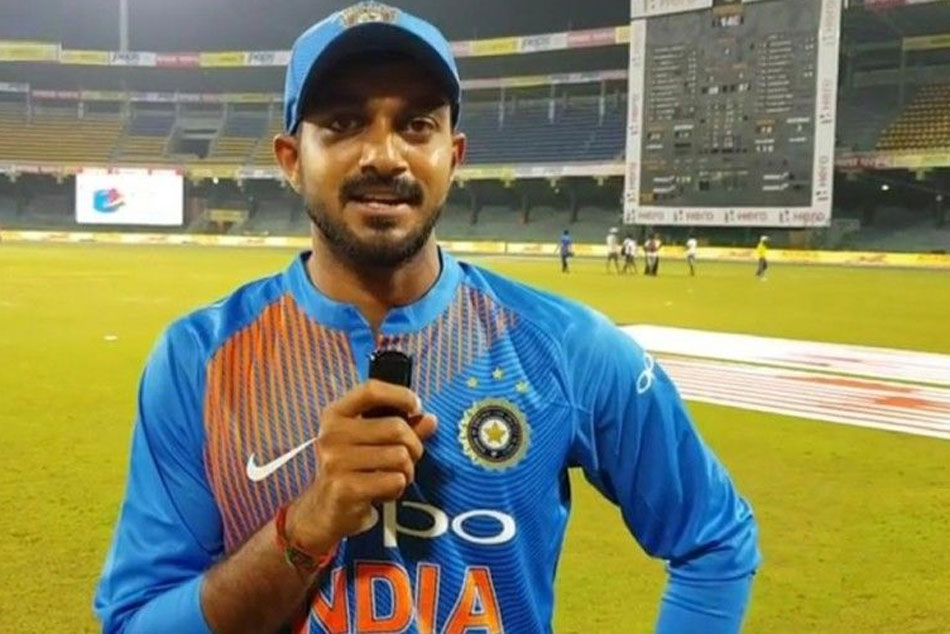 Watch Vijay Shankar Reacts After World Cup 2019 Selection