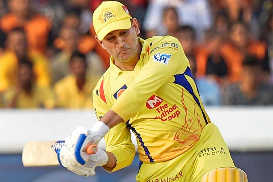 Dhoni sold to Chennai Super Kings: IPLs first auctioneer Richard Madley pulls one from the memory vault