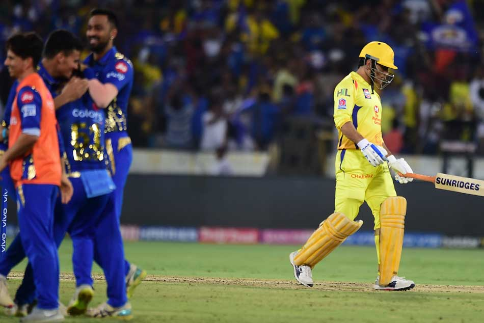 Ipl 20019 Csk Vs Mi Ms Dhoni S Dramatic Run Out Causes Stir On Twiter Csk Fans Fire