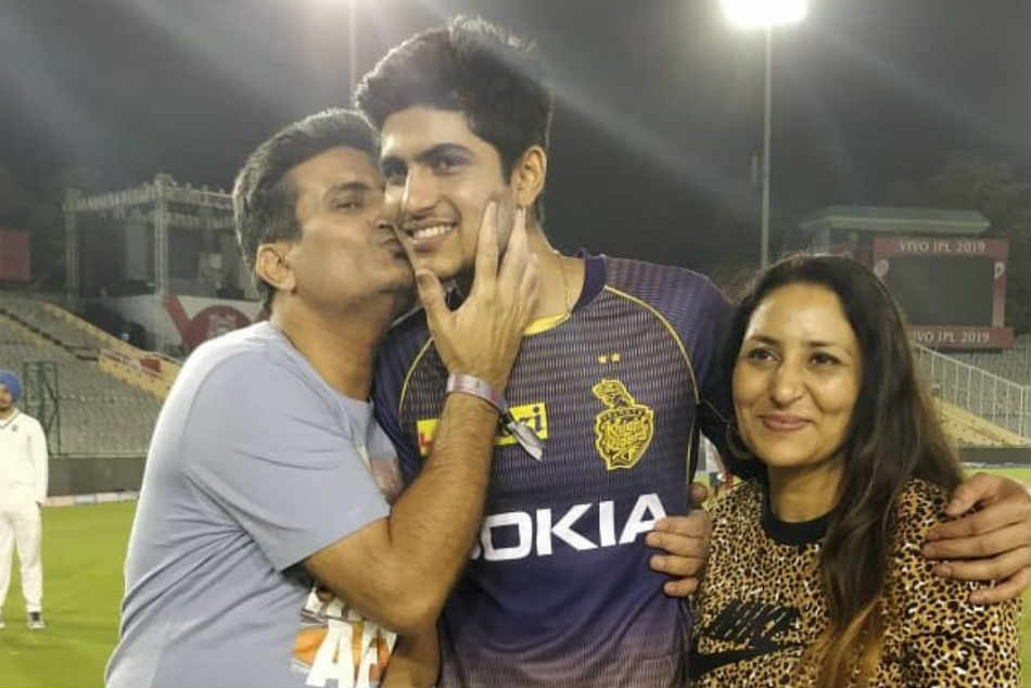 Ipl 2019 Shubman Gill S Father Doing Bhangra In Mohali Impresses
