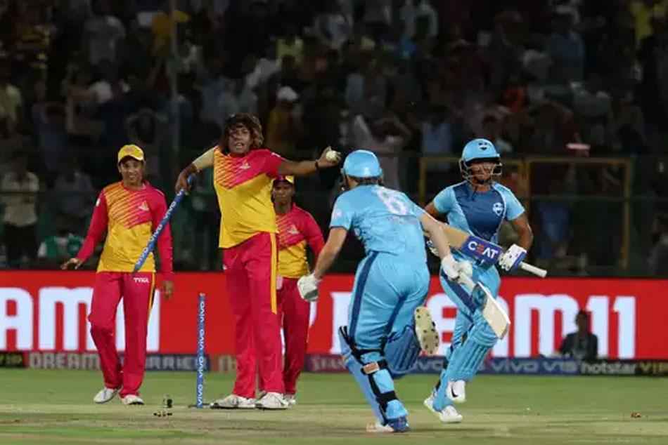 Womens T20 Challenge 2019 Mandhana S 90 Pips Harmanpreet Blitz In A Thriller