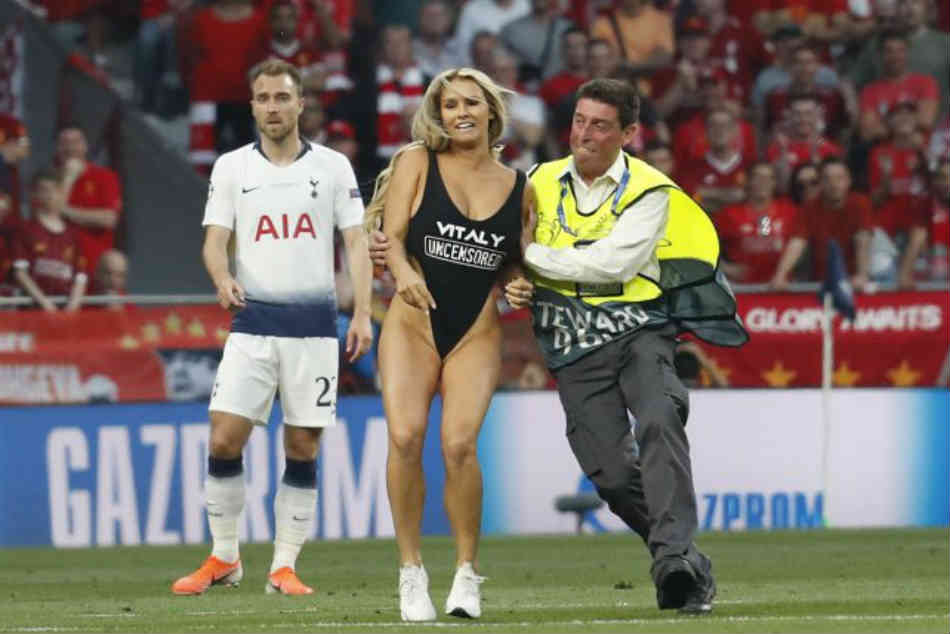 Female Pitch Invader Interrupts Champions League Final Between