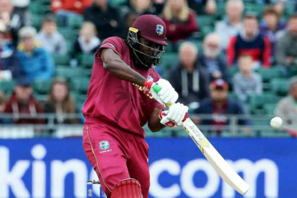 Chris Gayle departs for a 13-ball duck! An excellent start with the ball for Bangladesh