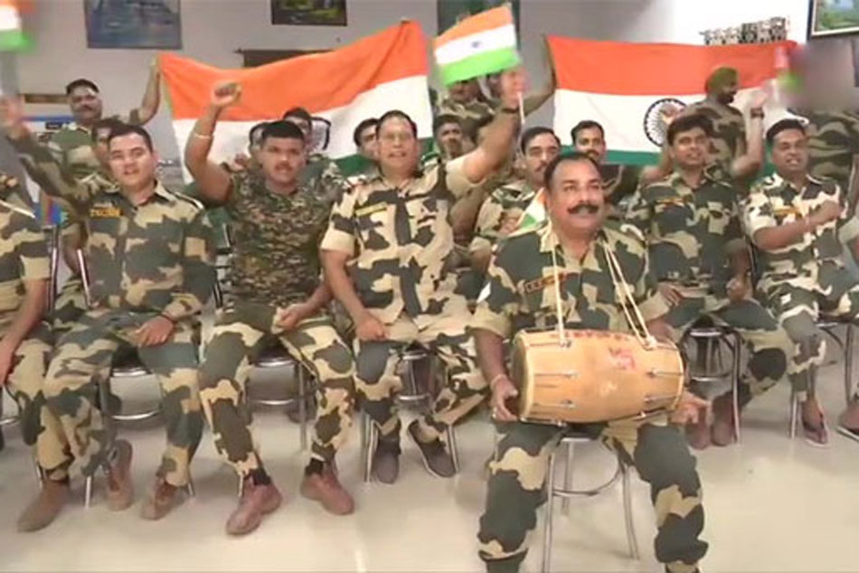 Cwc19 India Vs Pakistan Bsf Personnel Dance And Enjoy During India Vs Pakistan Clash