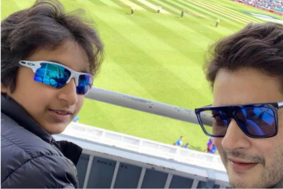 ICC Cricket World Cup 2019, India vs Australia: Tollywood Hero Mahesh Babu's Selfie With Son Goutham From The Oval