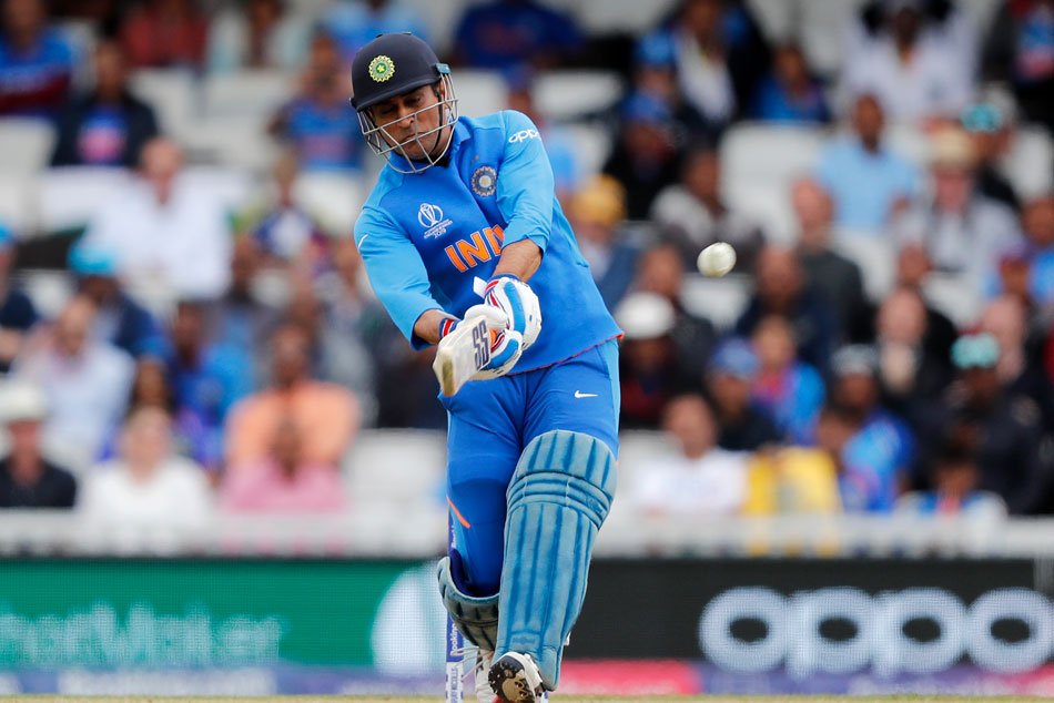 MS Dhoni: Standing up against the storm surge: But strike rate?