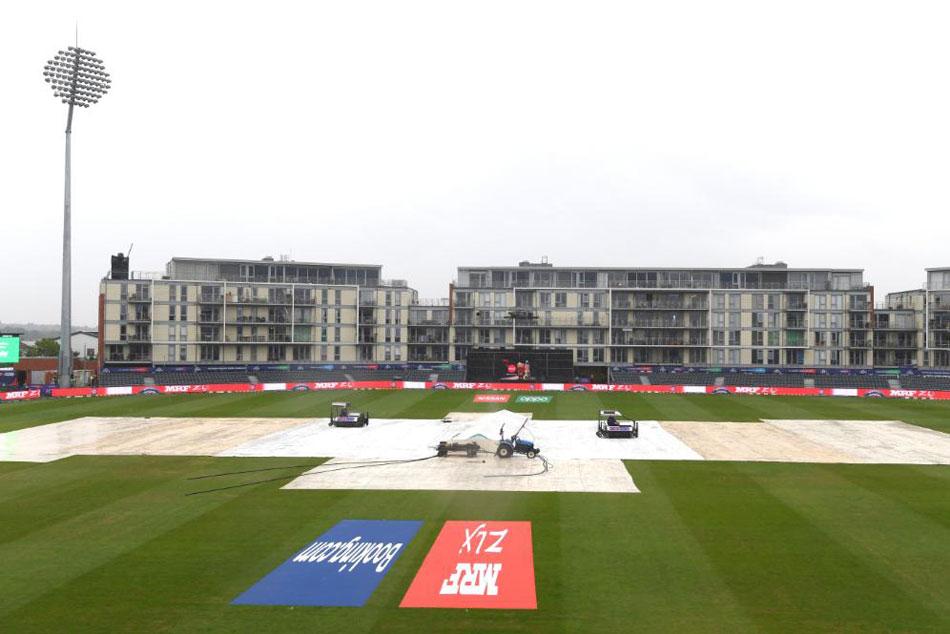 Icc Cricket World Cup 2019 Pakistan Vs Sri Lanka Toss Delayed Due To Rain