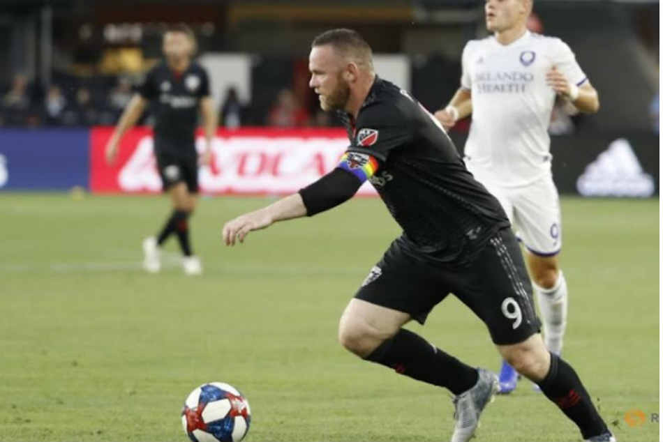 Wayne Rooney scores stunning goal from beyond halfway line for DC United