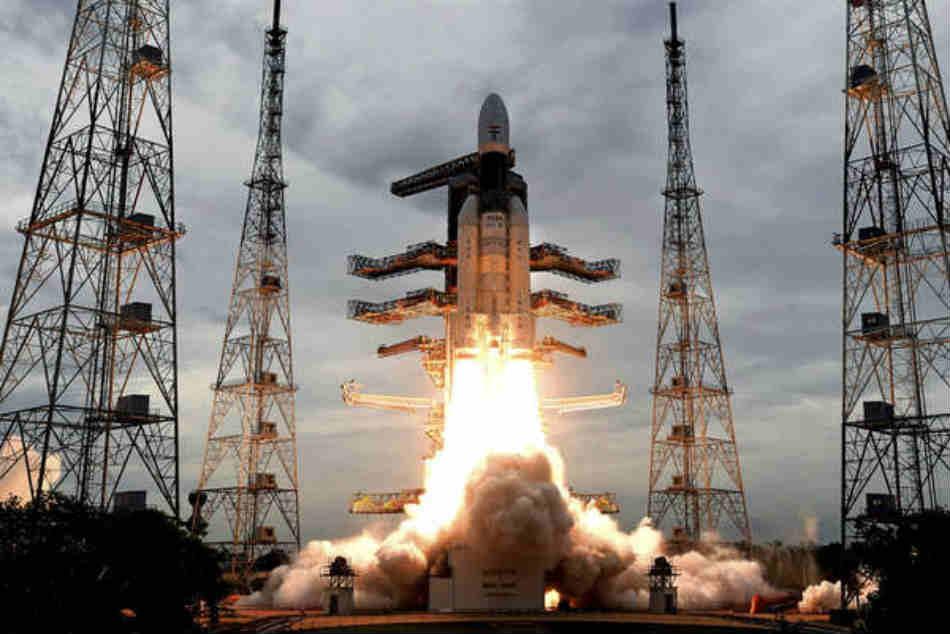ఎంతో గర్వకారణం: చంద్రయాన్-2 సక్సెస్పై క్రికెటర్ల ప్రశంసల వర్షం