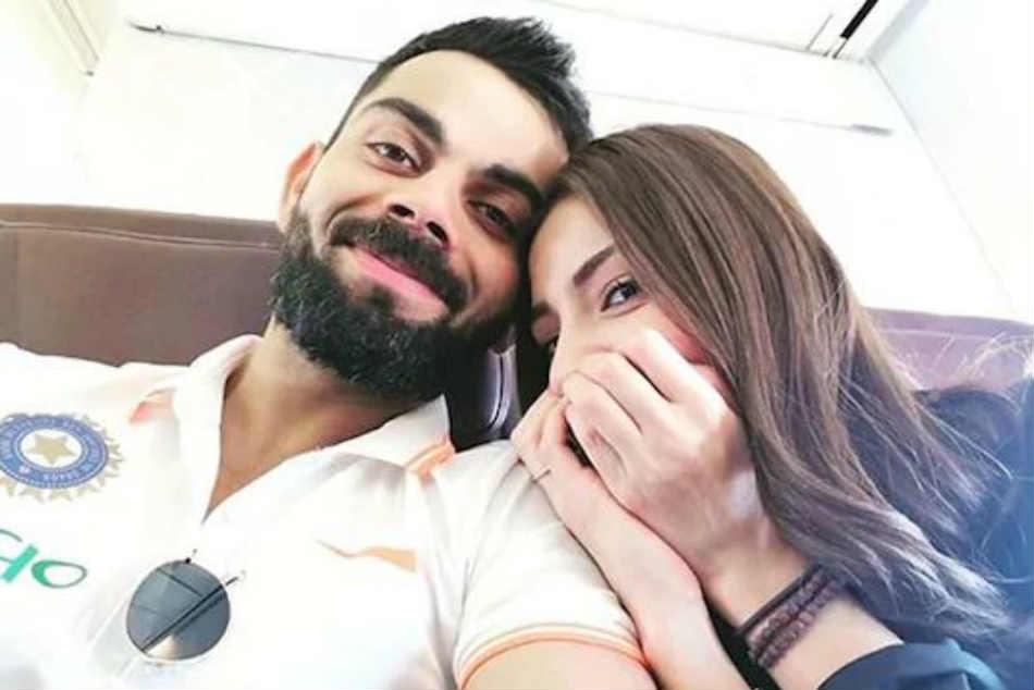 Watch Virat Kohli Anushka Sharma Return Home After Indias World Cup Exit