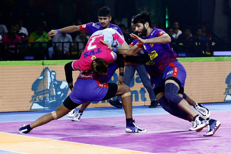 Pkl 2019 Dabang Delhi Beat Jaipur Pink Panthers Puneri Paltan Defeat Gujarat Fortunegiants