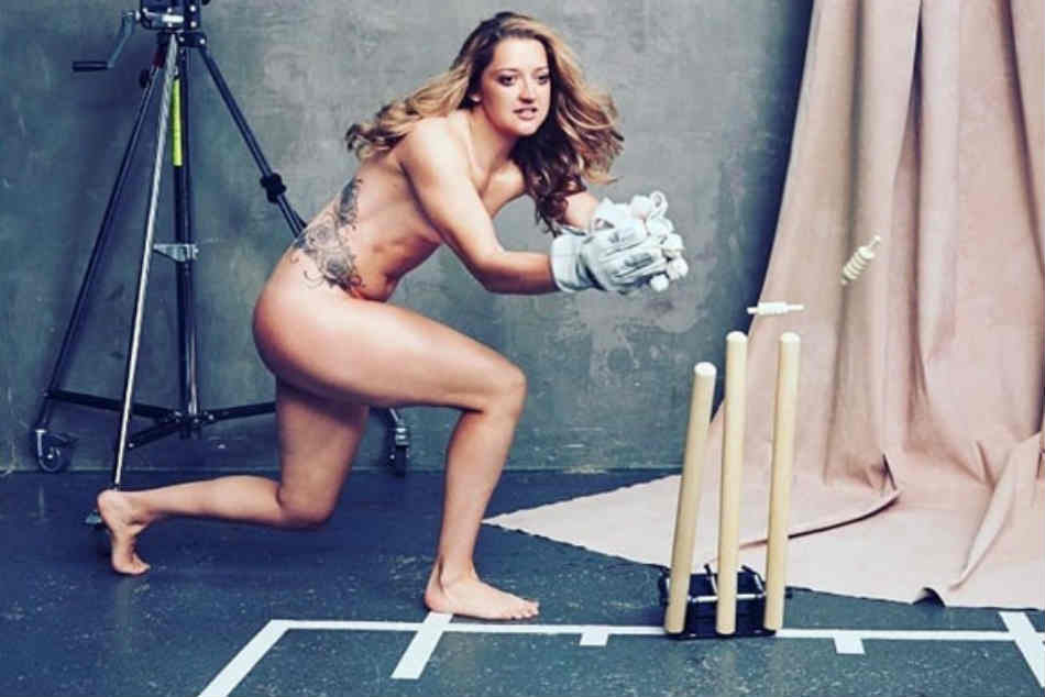 Sarah Taylor bares it all on Instagram, reveals the reason for posting her nude image