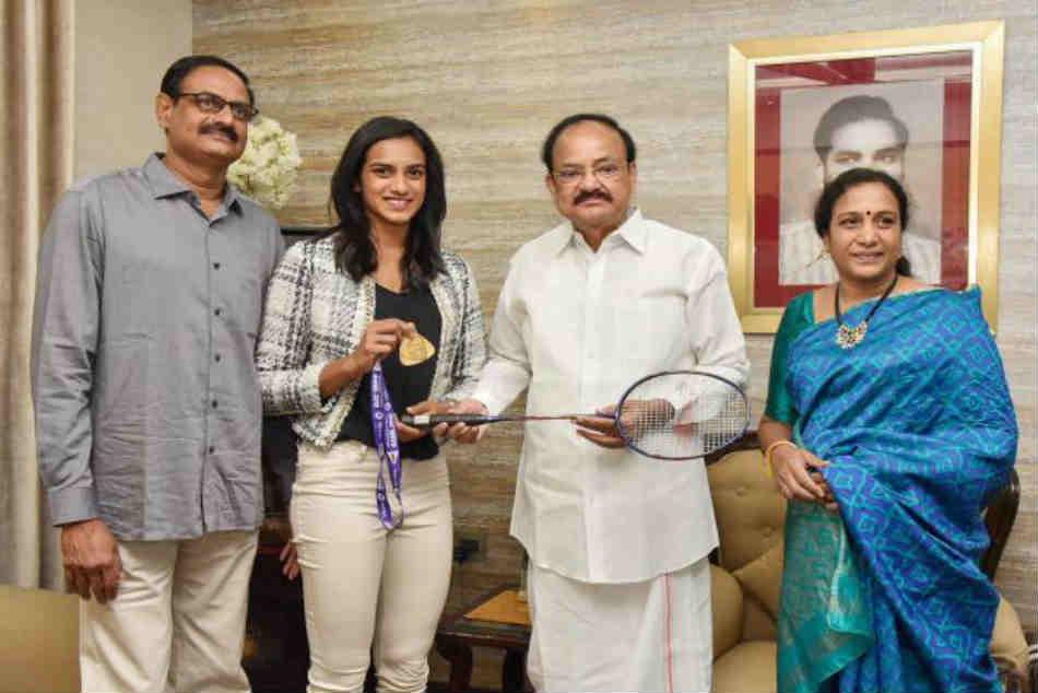 See Pics Pv Sindhu Meets Vice President Venkaiah Naidu At His Residence