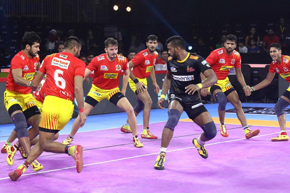 Pkl 2019 Telugu Titans Beat Gujarat Fortunegiants To Notch Up 1st Win Of Season 7