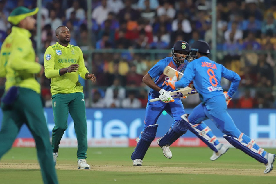 India vs South Africa, 3rd T20I: Hendricks, Rabada restrict India to 134