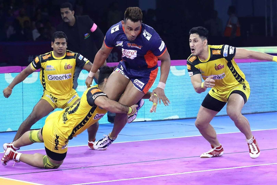 Pkl 7 Maninder Singh Super 10 Sees Bengal Warriors Beat Telugu Titans Climb To The Top Of Standings