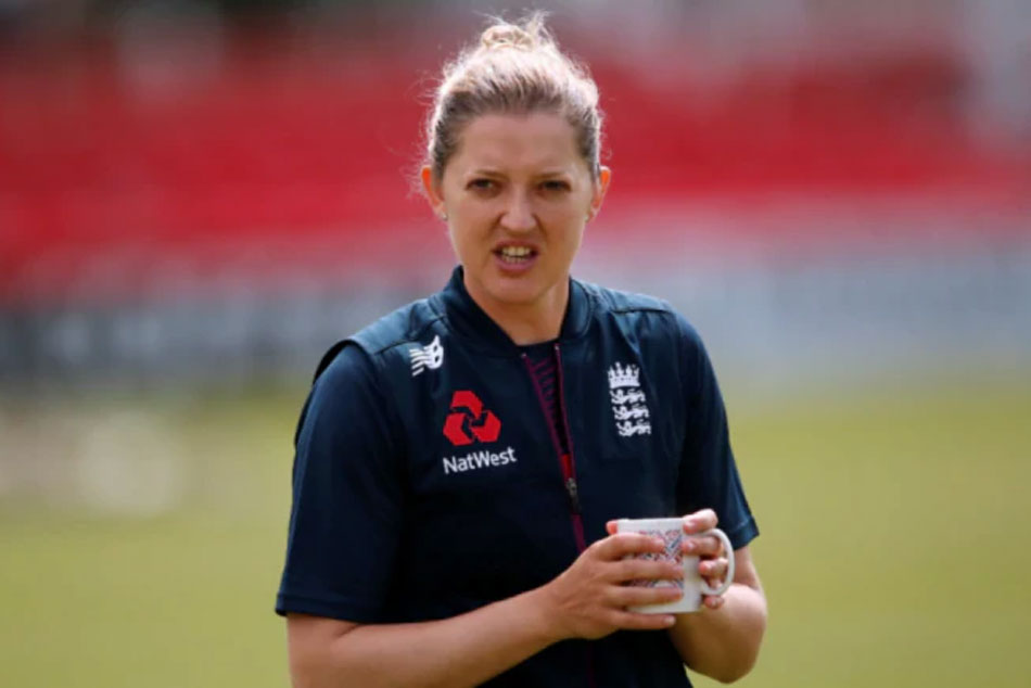 Triple World Champion Sarah Taylor bows out of international cricket