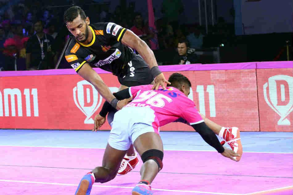 Pro Kabaddi League 2019 Telugu Titans Hammer Jaipur Pink Panthers Siddharth Grabs 22 Points