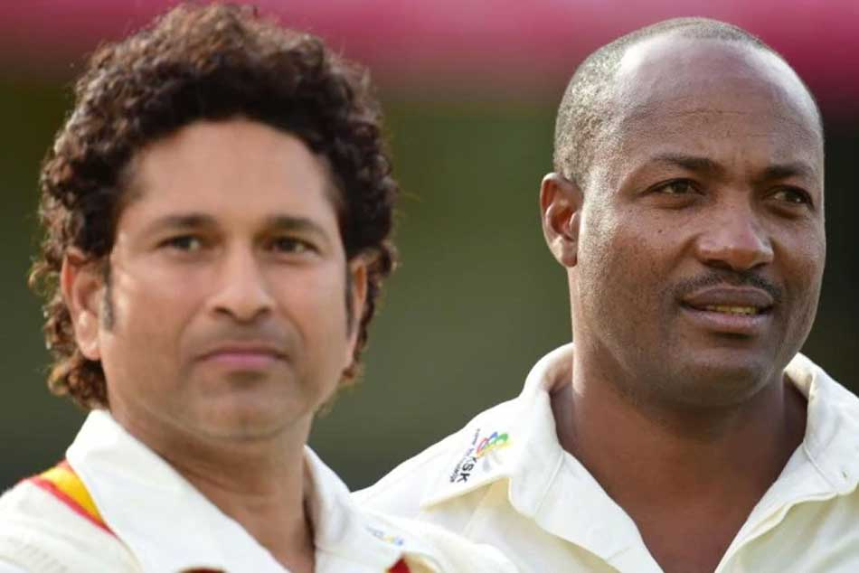 11 years ago on this day, Sachin Tendulkar went past Brian Laras Test record
