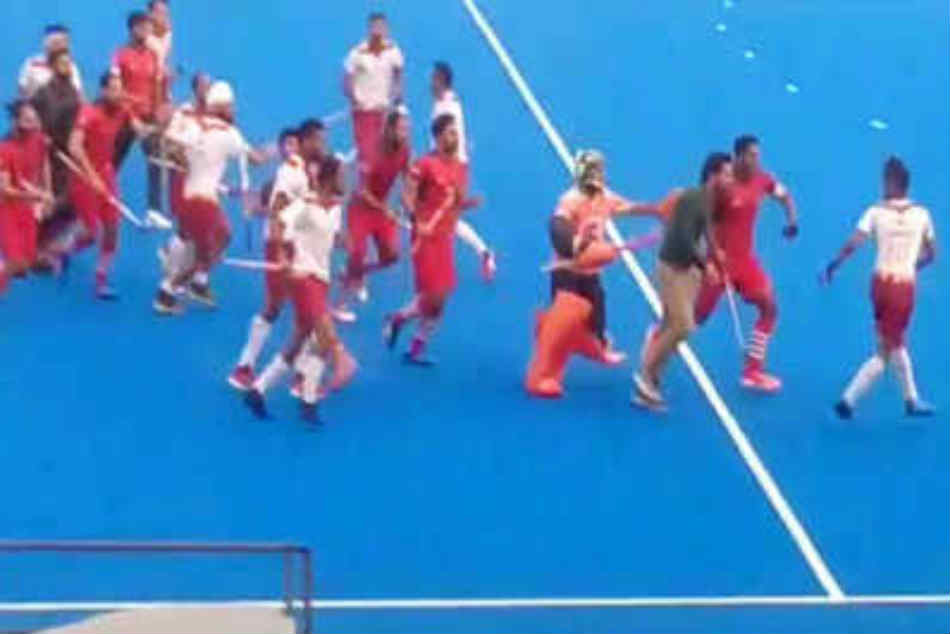 Nehru Cup final: Hockey India suspends 11 players after violence
