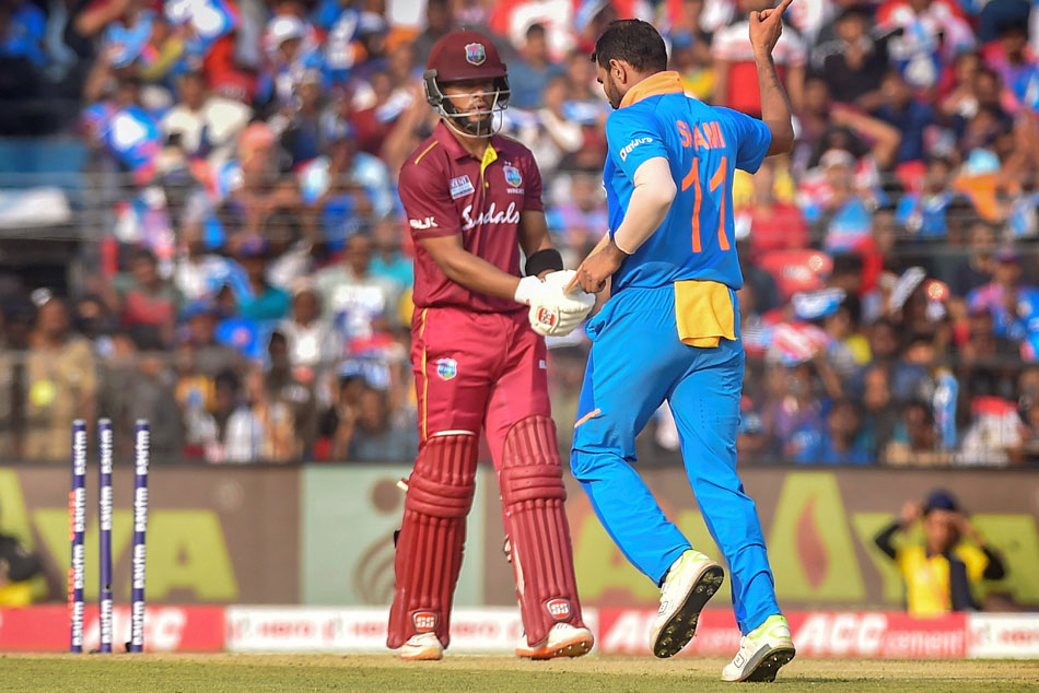 India vs West Indies, 3rd ODI: Jadeja, Shami send back West Indies openers after fifty stand