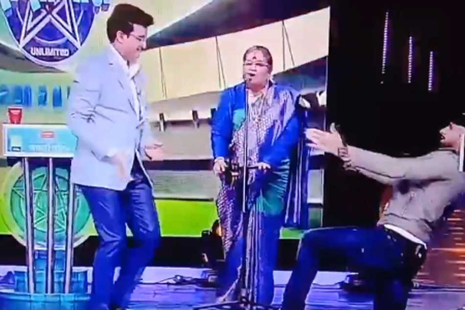 Sourav Ganguly, Harbhajan Singh Share A Dance As Usha Uthup Sings Senorita