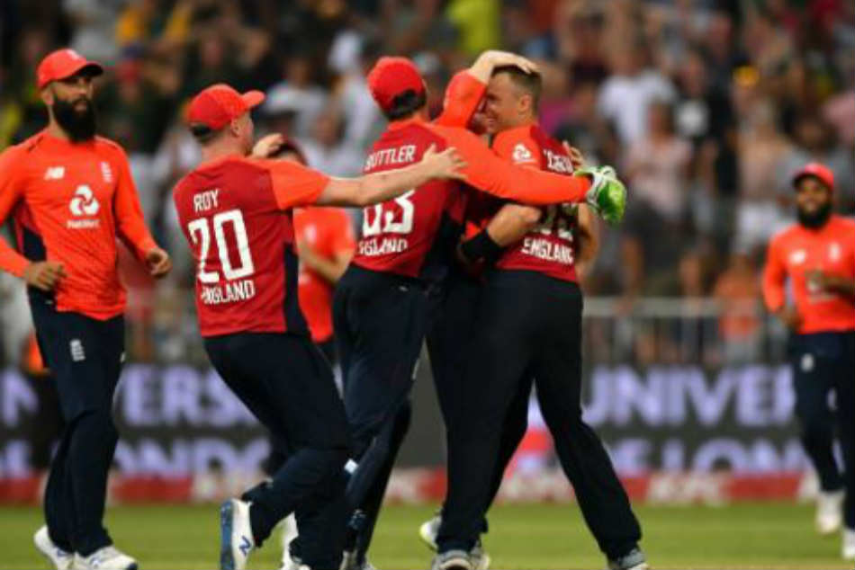 South Africa vs England 2nd T20I: Tom Curran shine England win thriller to square series