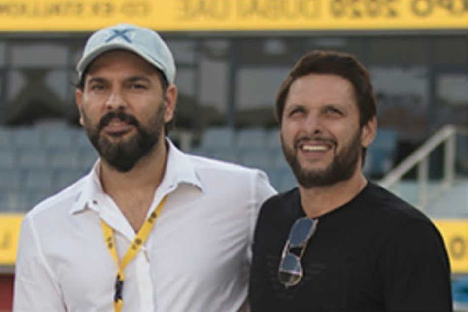 Fans blast Yuvraj Singh after he appeals to donate to Shahid Afridi's foundation for Coronavirus relief