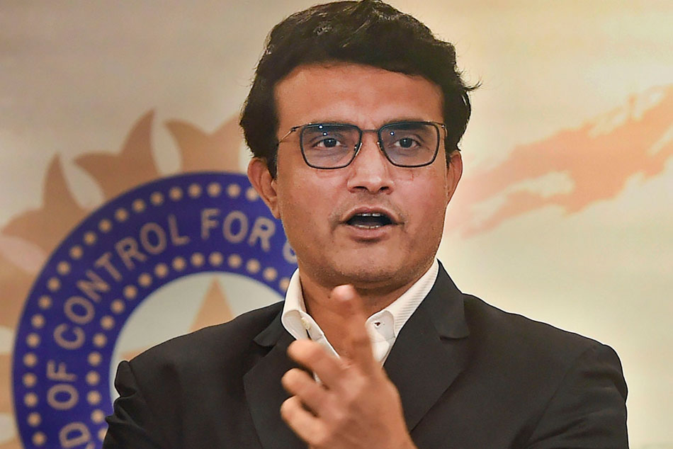 Sourav Ganguly distributes 2,000 kg of rice among needy at Belur Math