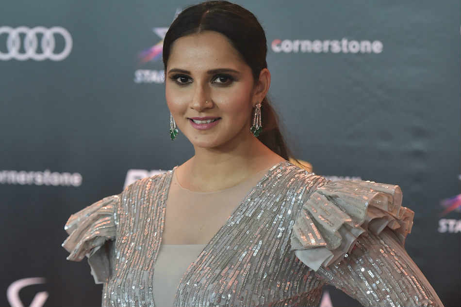 Sania Mirza Wins Fed Cup Heart Award Donates Prize Money To Telangana Cms Relief Fund