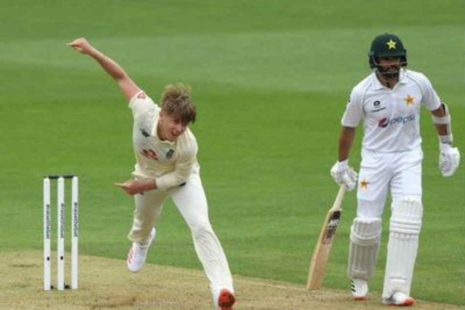England vs Pakistan: Bowlers put hosts on top on a rain-curtailed opening day