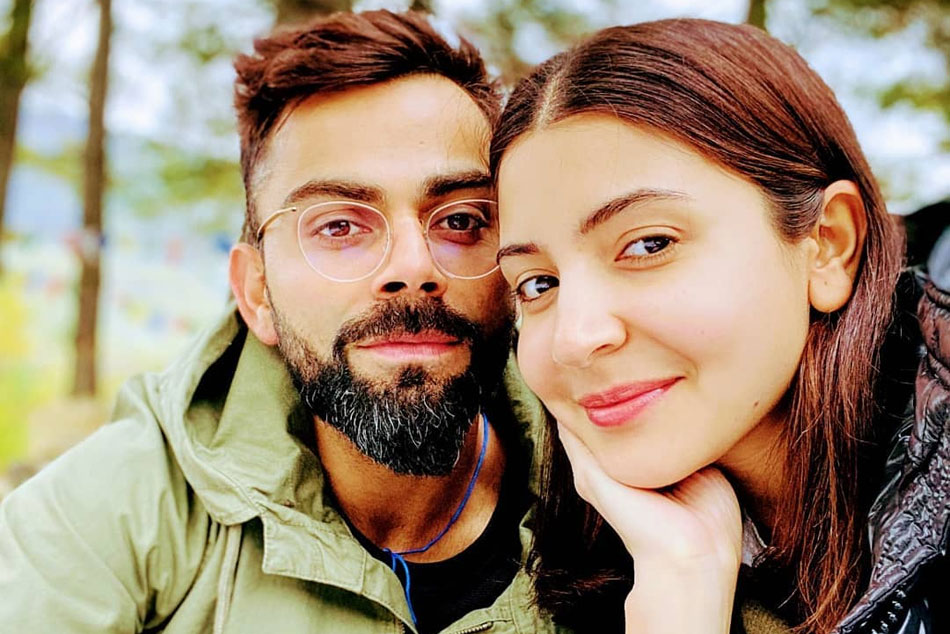 IPL 2020: Did You Eat?, Virat Kohli Asks his wife Anushka Sharma Through Hand Gestures