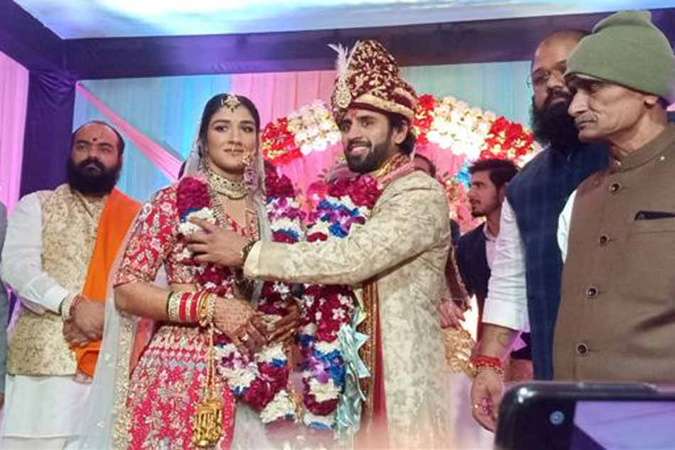 Wrestlers Bajrang Punia And Sangeeta Phogat Tie The Knot