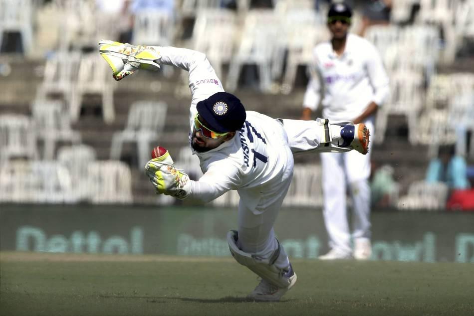 India vs England: బెయిల్ దాచేసిన రిషబ్ పంత్.. వెతికిన అంపైర్, ఆటగాళ్లు! చివరకు!
