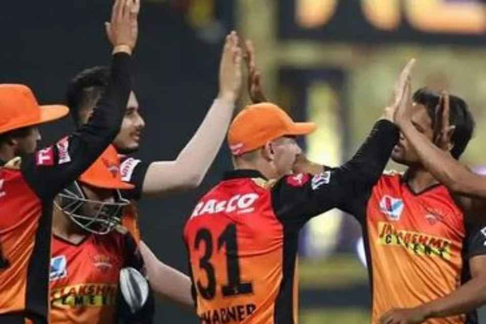 IPL 2021, PBKS vs SRH: Sunrisers Hyderabad Twitter Handle Gets Trolled Brutally by SRH fans