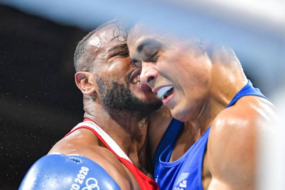 Tokyo Olympics 2021: వైరల్ వీడియో.. ఓటమి బాధలో ప్రత్యర్థి చెవి కొరికేశాడు!!