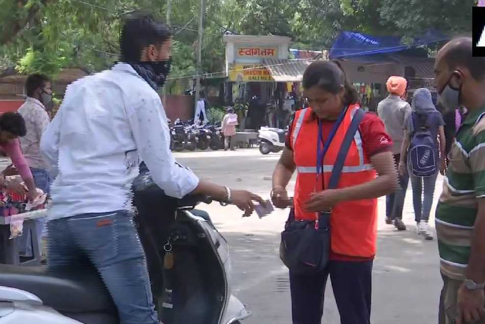 Tokyo Olympics 2021 Indian Young Boxer Ritu Sells Parking Tickets In Chandigarh