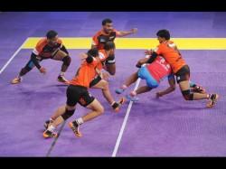 Telugu Titans Outclass Dabang Delhi Rahul And Rohit Excel