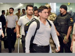 Pakistan Team Finally Arrive India Receive Big Welcome At Kolkata