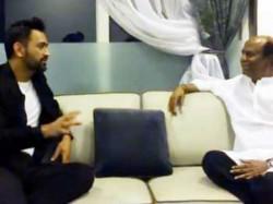 Ms Dhoni Meets Rajinikanth Ahead Release Biopic